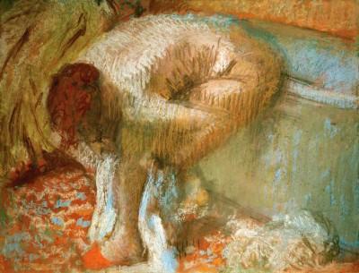 Woman drying her feet after a bath - Edgar Degas