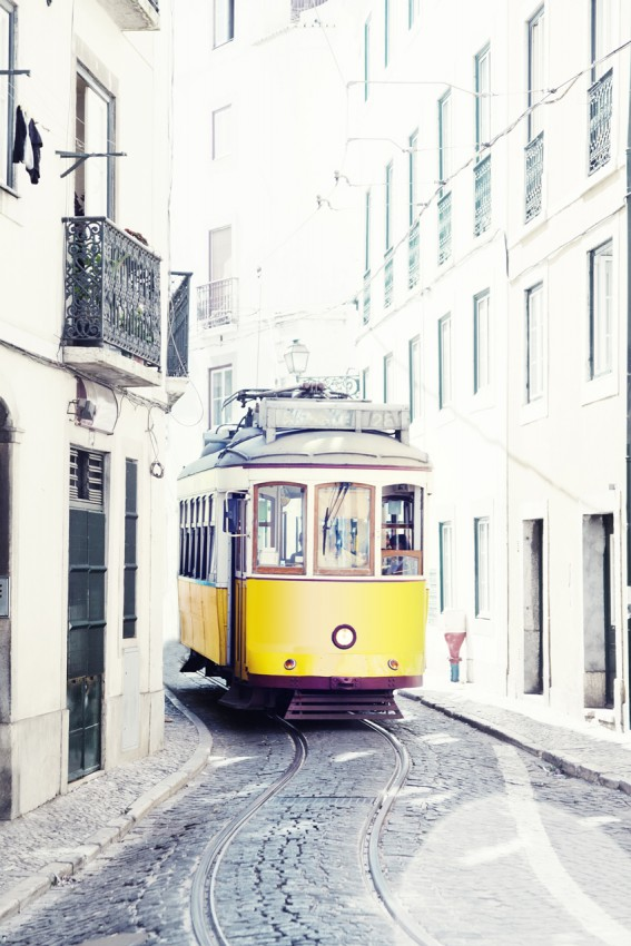 PLAKAT 'YELLOW TRAM OF LISBON'